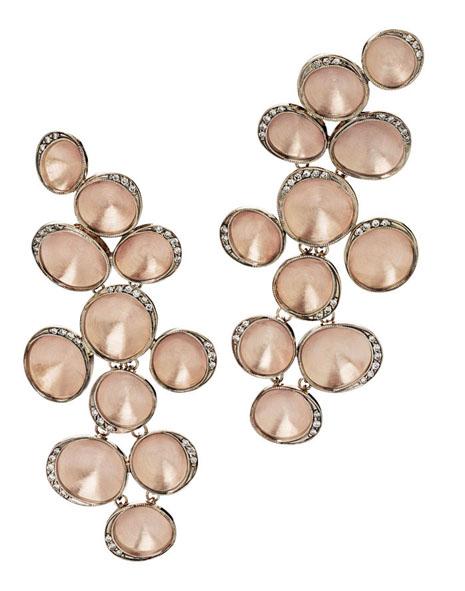 Brincos grandes de ouro rosé texturizado com detalhes de Ouro Nobre e diamantes copy