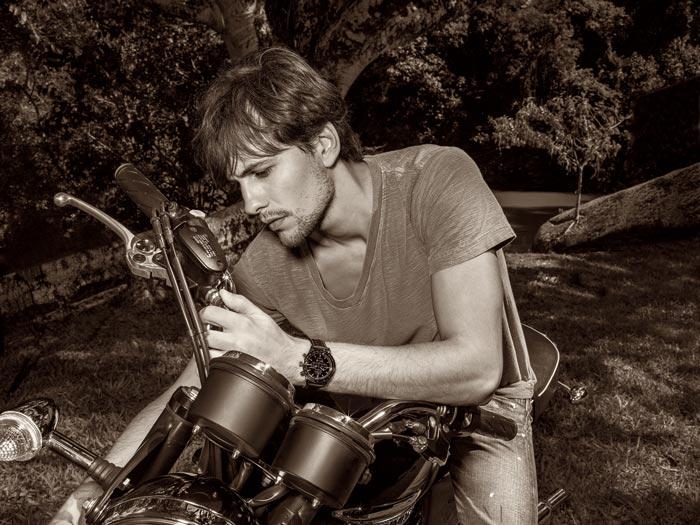 Imagem da campanha H.Stern Timepieces, com o modelo Fabio Delai