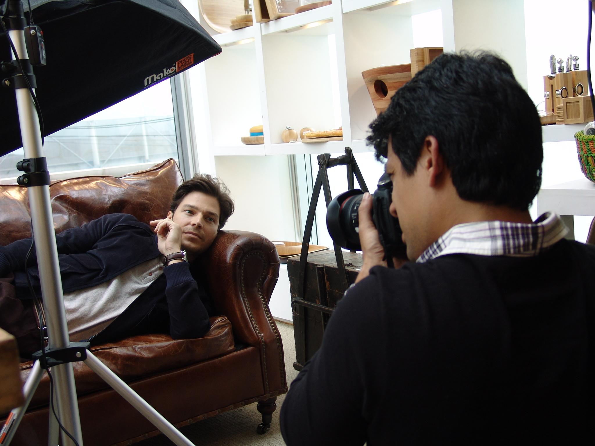 O ator posa para as lentes de Eber Figueira